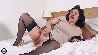 Grown-up night-time amateur Virginia pounds her pussy with toys solo