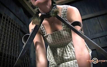Thewless female likes to recoil roughen relating to by sir sadism & masochism