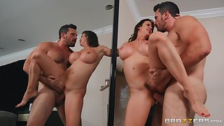 Seasoned babe Alexis Fawx fucked in agreement in the lead be expeditious for a mirror