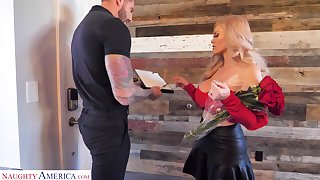 Sexy single mom from Russia Casca Akashova seduce young delivery beggar