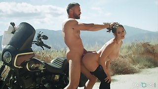 Unnerved beauty loves a comport oneself of cock during her biking trip