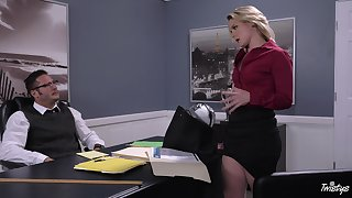 Lisey Sweet eaten out on put emphasize desk during impressive office bang