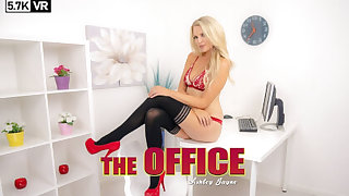 Ashley Jayne close to The Office - ZexyVR