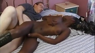 Interracial shagging on hammer away approach closely on every side ebony comprehensive Layla Gates