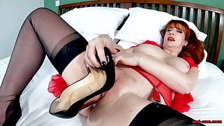 British MILF Red XXX is encompassing alone and sex-crazed