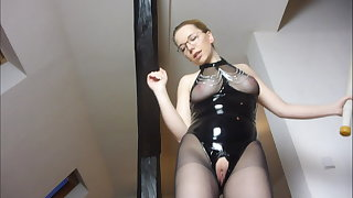 JuleStern - The slave has to lick the pussy clean after fuck