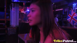 Naughty Filipina bar girl Ella hooks recuperate from wean away from roomer