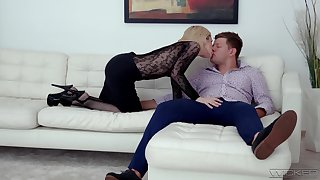 Hot blonde Di Devi gets fucked while enervating a sexy black bodystocking