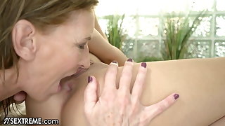Cute Teen Enjoys Pool Discretion With The GILF Next Door