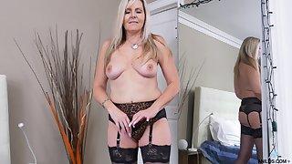 Closeup video of adult Velvet Skye fingering her drenched fanny