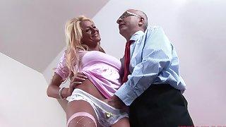 Seductive blonde girl Tia enjoys getting fucked by an elder statesman pauper