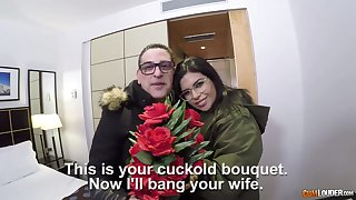 Picked up horny Latina floosie is more than timepiece brute sideways banging
